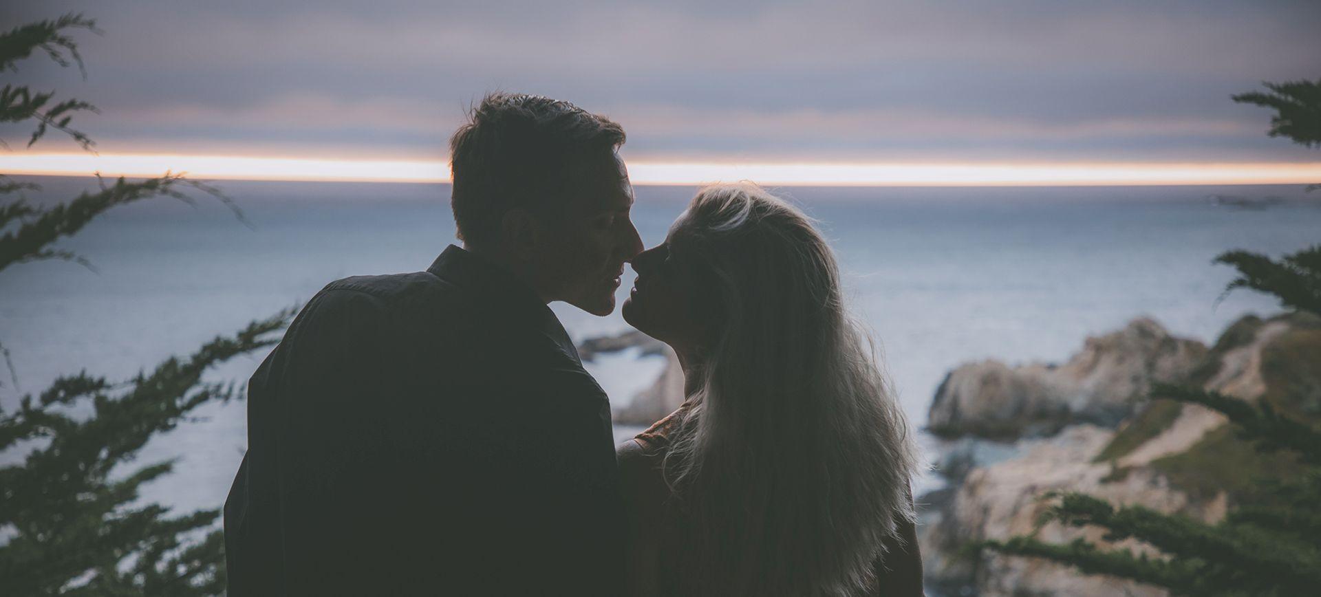 adventure couple photoshoot in Big Sur, California